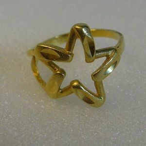 Jewelry - New 18K Gold Filled Star Ring 7.5